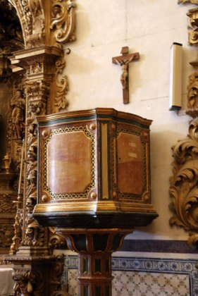 Algarve churches pulpit