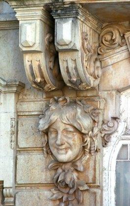 door carving Faro