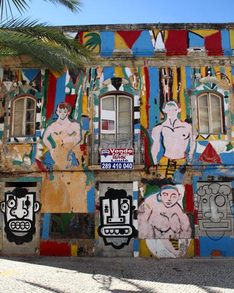 graffiti building Faro