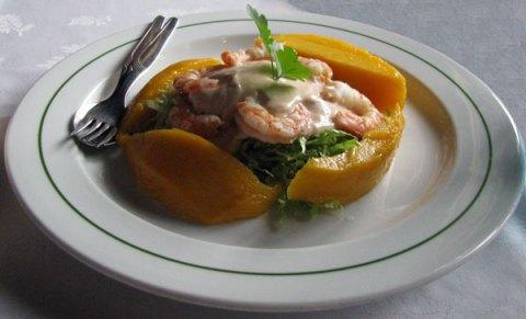 prawn cocktail and mango starter