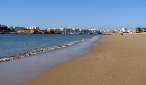 Ferragudo beach December