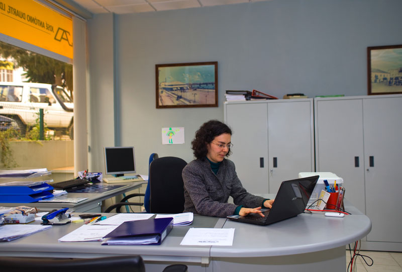 Attractive Sílvia Andrez Accountant Algarve Directory